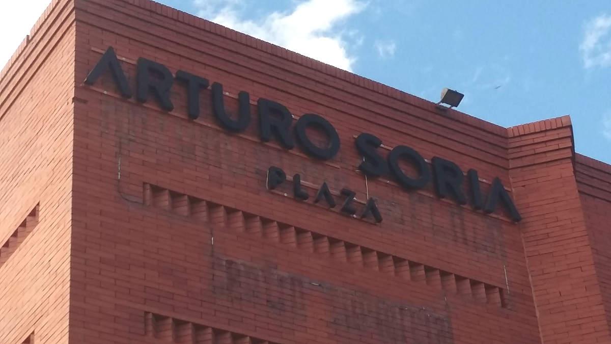 Arturo soria plaza rotulos rodriguez - Fachada ladrillo visto ...