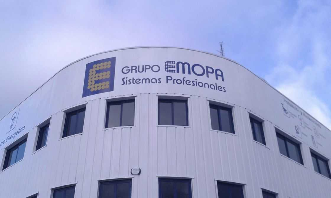 Rotulación sobre fachada de la compañía EMOPA de Móstoles