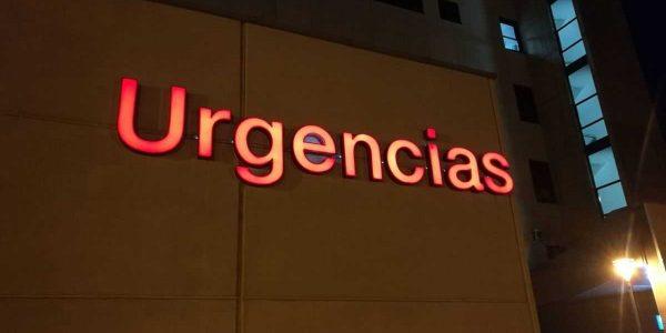El rótulo de urgencias terminado y funcionando